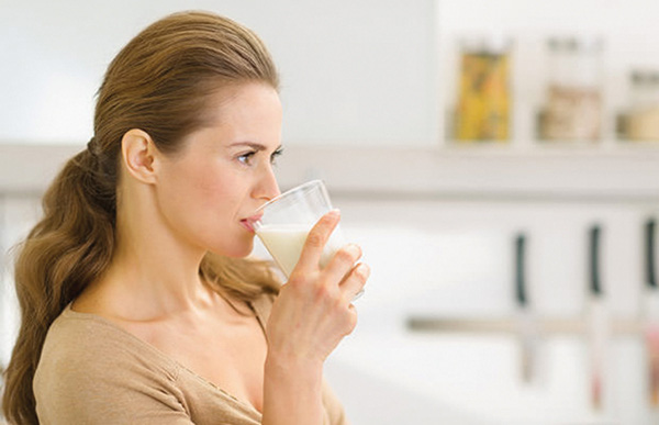 Chế độ ăn uống cho phụ nữ mãn kinh - Ảnh 2.