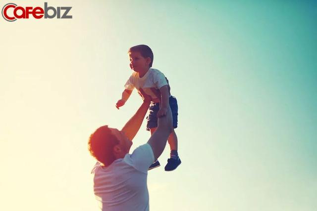 """""""Con trai à, ta chúc con bất hạnh và đau khổ"""": Lời chúc ngược đời của một người cha nhưng lại được vô số phụ huynh tán đồng - Ảnh 2."""