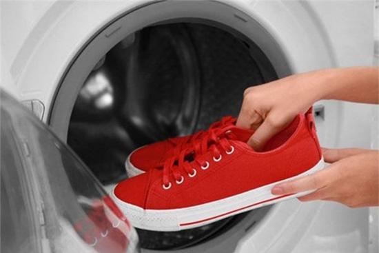 Những món đồ tuyệt đối không nên cho vào máy giặt nhiều người vẫn mắc phải - Ảnh 6.