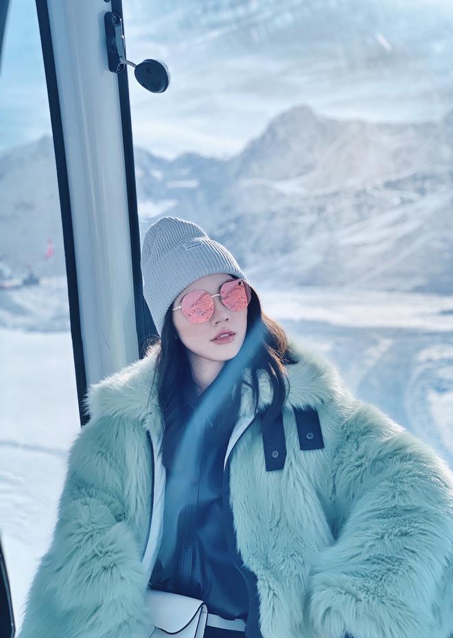Xem hai mẹ con rich kid Jolie Nguyễn đi du lịch mà ai cũng phải ghen tị: đi vòng quanh châu Âu tận 5 nước, lên hình lung linh cả mẹ lẫn con - ảnh 9