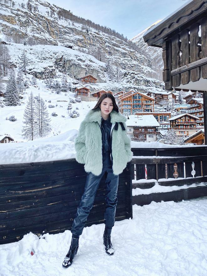 Xem hai mẹ con rich kid Jolie Nguyễn đi du lịch mà ai cũng phải ghen tị: đi vòng quanh châu Âu tận 5 nước, lên hình lung linh cả mẹ lẫn con - ảnh 10