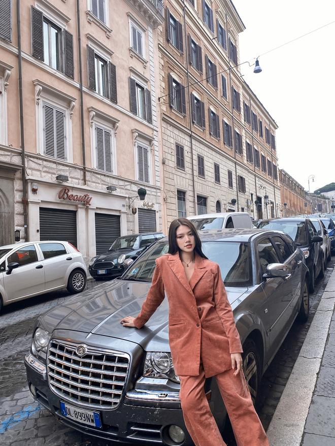 Xem hai mẹ con rich kid Jolie Nguyễn đi du lịch mà ai cũng phải ghen tị: đi vòng quanh châu Âu tận 5 nước, lên hình lung linh cả mẹ lẫn con - ảnh 14