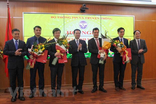 Bộ Thông tin Truyền thông điều động và bổ nhiệm 13 cán bộ lãnh đạo - Ảnh 2.