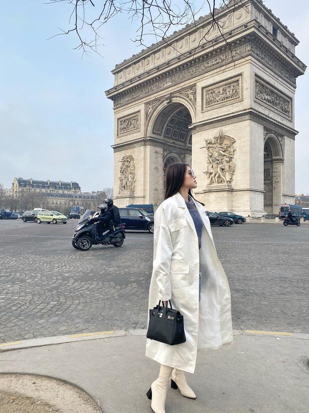 Xem hai mẹ con rich kid Jolie Nguyễn đi du lịch mà ai cũng phải ghen tị: đi vòng quanh châu Âu tận 5 nước, lên hình lung linh cả mẹ lẫn con - ảnh 3