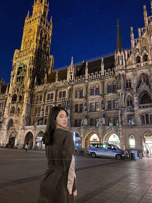 Xem hai mẹ con rich kid Jolie Nguyễn đi du lịch mà ai cũng phải ghen tị: đi vòng quanh châu Âu tận 5 nước, lên hình lung linh cả mẹ lẫn con - ảnh 4