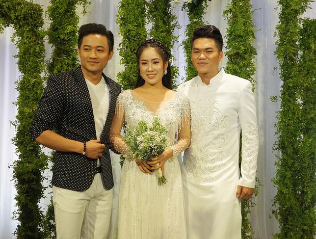 Lê Phương đăng ảnh người yêu cũ 8 năm và chồng thân thiết bên nhau - Ảnh 4.