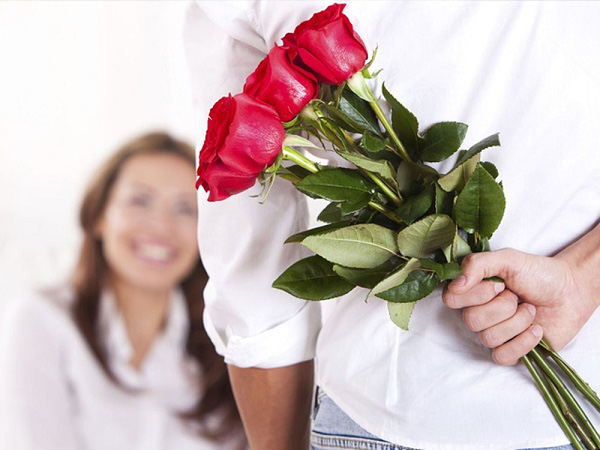 9 món quà tặng Valentine ý nghĩa cho bạn gái khiến nàng thích mê - Ảnh 1.