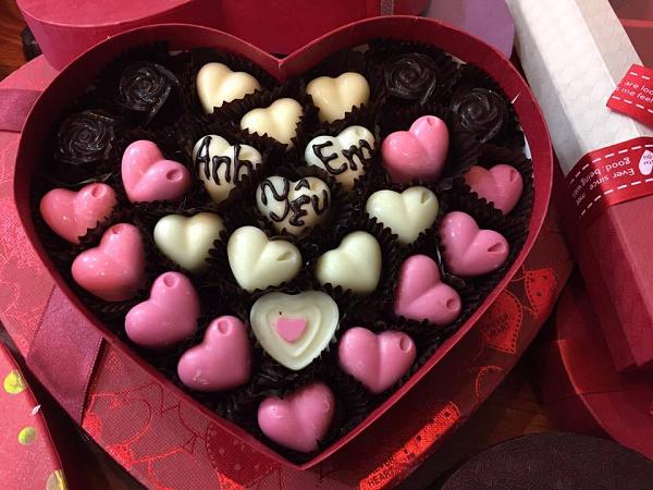 9 món quà tặng Valentine ý nghĩa cho bạn gái khiến nàng thích mê - Ảnh 2.