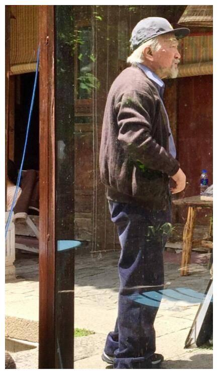 Xót xa trước hình ảnh tóc bạc trắng, già nua không ai nhận ra của Tể tướng Lưu Gù - Ảnh 1.