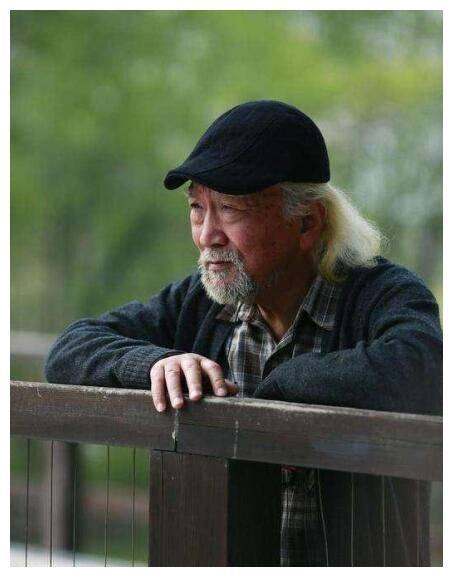 Xót xa trước hình ảnh tóc bạc trắng, già nua không ai nhận ra của Tể tướng Lưu Gù - Ảnh 2.