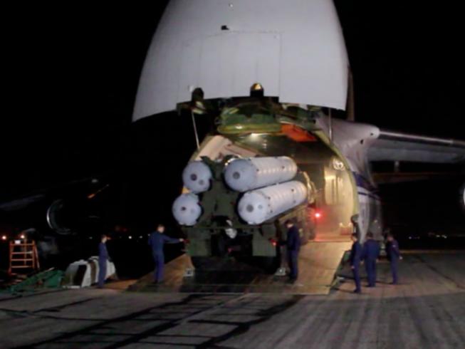 Tên lửa S-300 Syria lên đạn, nhe nanh vuốt vồ mồi: Chiến đấu cơ Thổ Nhĩ Kỳ nguy ngập - Ảnh 3.