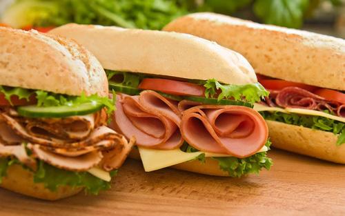 Nghiện ăn nhà hàng, thức ăn nhanh: Coi chừng nhiễm hóa chất gây hại - Ảnh 1.