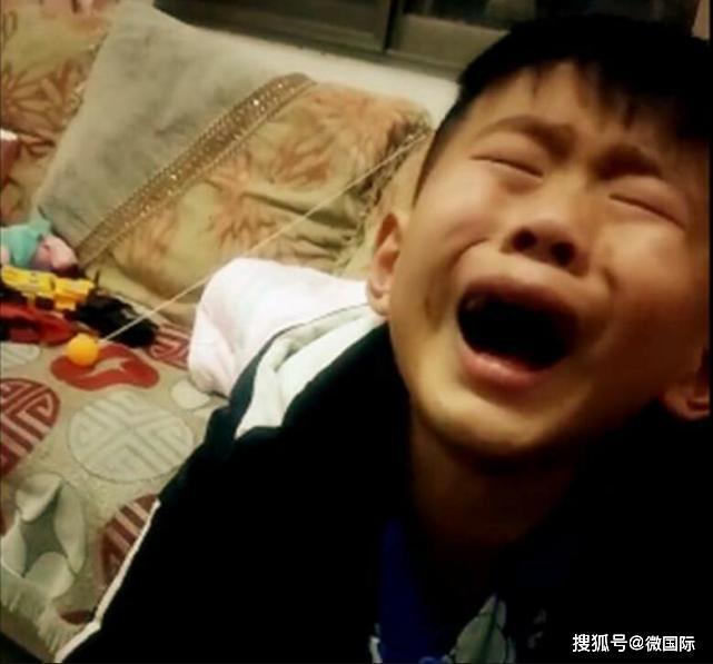 Không biết con trai trồng cây tỏi để làm bài tập về nhà, mẹ vặt sạch mang đi nấu ăn khiến hai mẹ con dở khóc dở cười - Ảnh 3.