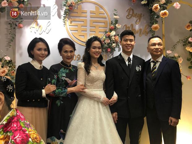 Chị em Huyền My - Quỳnh Anh giờ mới khoe ảnh chụp chung trong đám cưới: Đọ dáng thì ai hơn ai nè? - Ảnh 4.