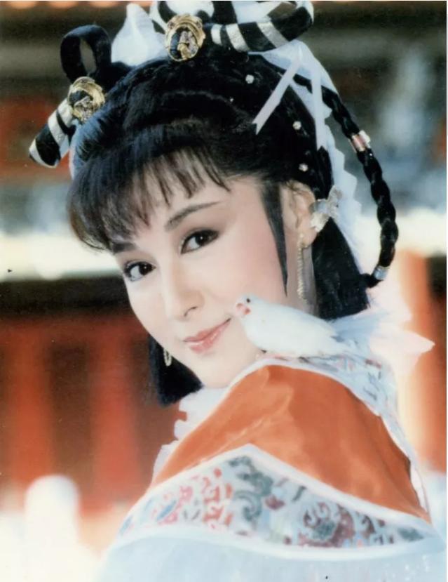 Tiểu Long Nữ Thần điêu đại hiệp: Đẹp như tiên giáng trần vẫn bị chồng phản bội cay đắng, ra đi tay trắng - Ảnh 2.