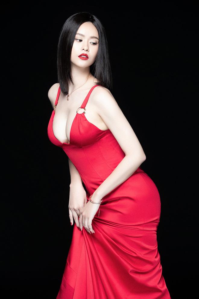 Gu ăn vận táo bạo của Trương Quỳnh Anh sau gần 3 năm ly hôn Tim - Ảnh 5.