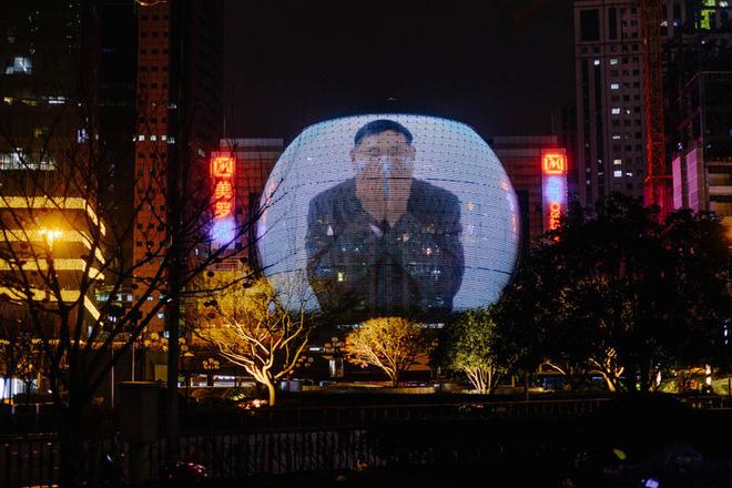 Cảnh tượng hiếm thấy: Hàng triệu người trở lại làm việc nhưng các siêu đô thị Trung Quốc vẫn chìm trong hôn mê vì virus corona - Ảnh 24.