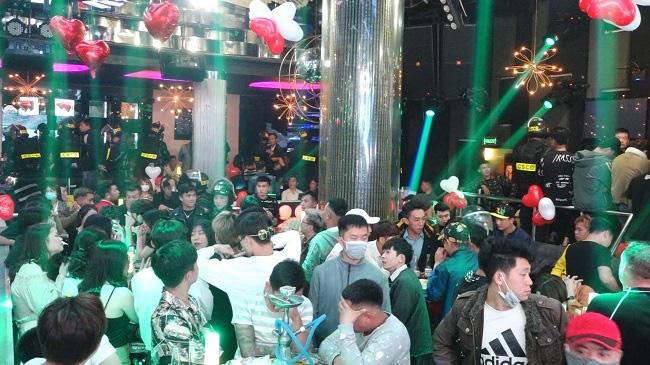 Gần 100 thanh niên phê ma tuý trong quán bar lớn nhất Đà Lạt - Ảnh 5.