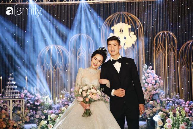 """Sau đám cưới long lanh bạc tỷ cùng cầu thủ Duy Mạnh, Quỳnh Anh lập tức """"nhập vai"""" với tình tượng gái đã có chồng bằng bộ đồ bộ trên Đông dưới Tây lại không son phấn - Ảnh 1."""