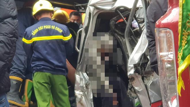 Hiện trường kinh hoàng vụ tai nạn liên hoàn khiến 1 người tử nạn, 5 người bị thương - Ảnh 7.
