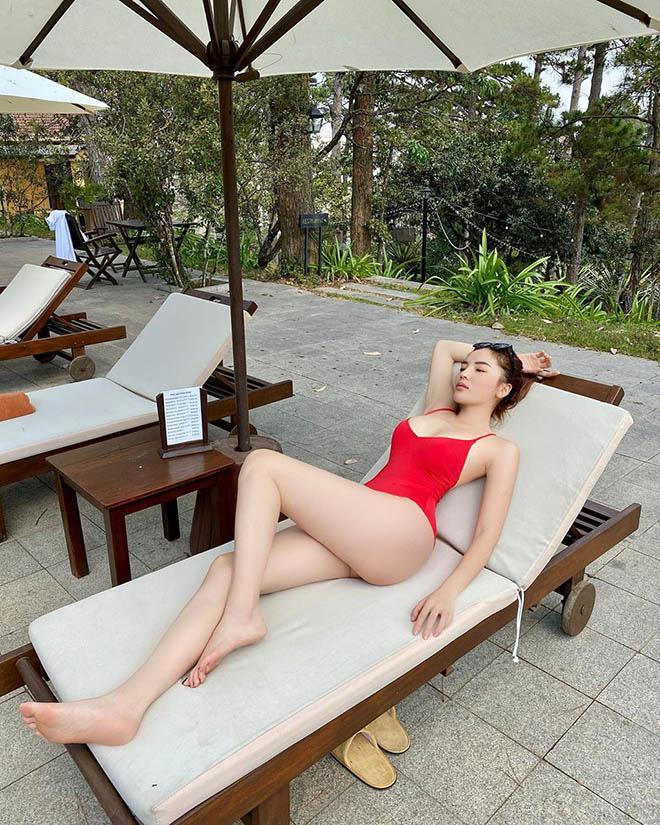 Trọn bộ ảnh bikini nóng bỏng, hút mắt của Kỳ Duyên khi đi du lịch cùng người yêu tin đồn - Ảnh 4.