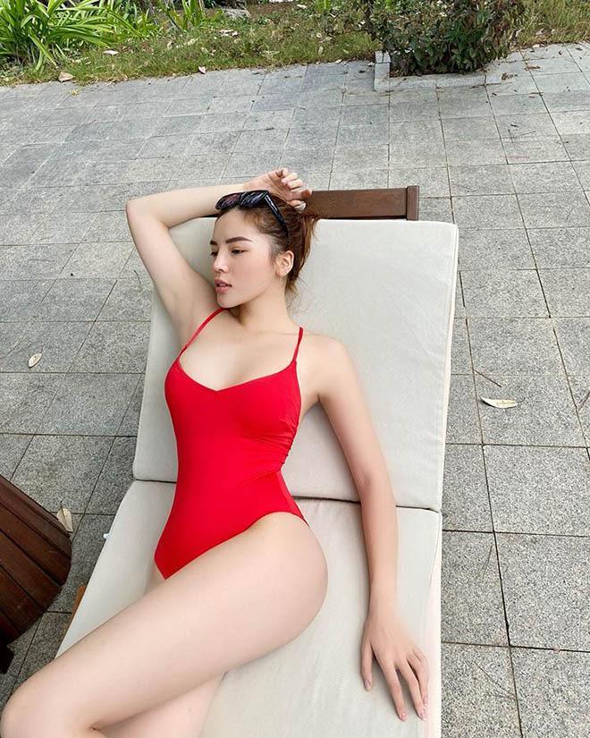 Trọn bộ ảnh bikini nóng bỏng, hút mắt của Kỳ Duyên khi đi du lịch cùng người yêu tin đồn - Ảnh 3.