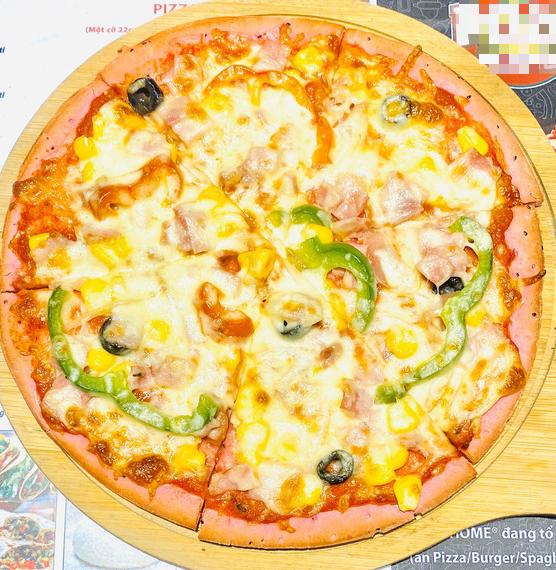 Độc lạ pizza làm từ thanh long ruột đỏ, giá chỉ 55.000 đồng/chiếc - Ảnh 2.