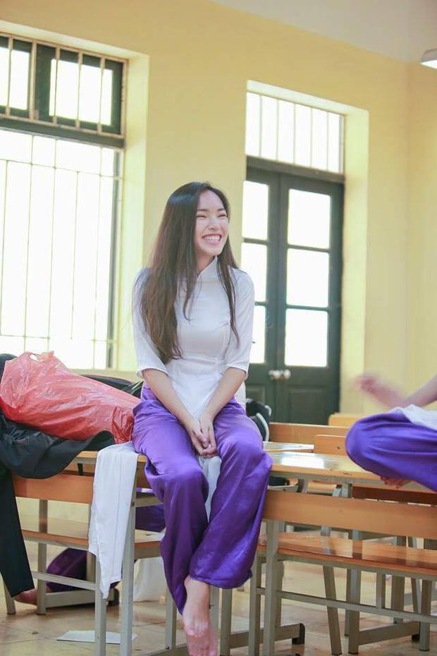 Loạt ảnh thời đi học của dàn hotgirl Việt đình đám: Hoá ra ai cũng có một thời trông quê quê, xấu xấu... dậy thì rồi mới lột xác đỉnh cao - Ảnh 5.