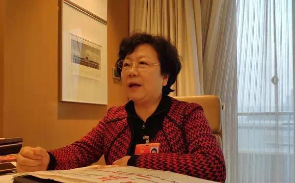 Giám đốc Bệnh viện thứ 8 Vũ Hán nhiễm Covid-19, phải truyền huyết tương để giành sự sống - Ảnh 1.
