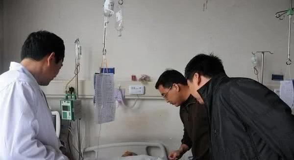 Thầy giáo 30 tuổi trong vụ bị học sinh 15 tuổi đánh bằng gạch sau hơn 3 tháng nằm viện đã tử vong - Ảnh 3.