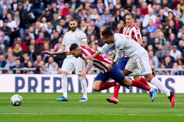Đánh bại kình địch trong trận đại chiến thủ đô Tây Ban Nha, Real Madrid cho Barcelona hít khói trong cuộc đua vô địch - Ảnh 3.