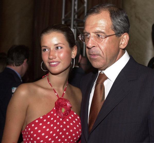 Thực hư tin đồn người lính Nga - cháu trai Ngoại trưởng Lavrov thiệt mạng ở Khmeimim đêm qua? - Ảnh 3.