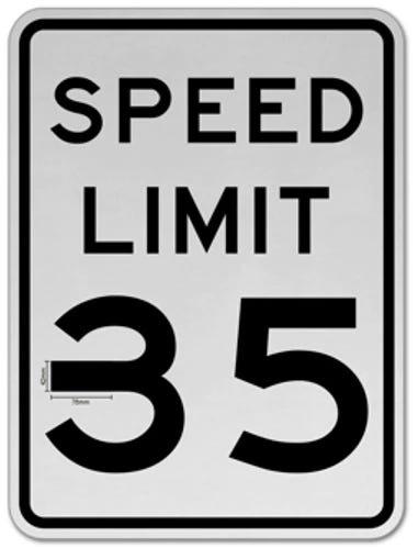 Xe Tesla dễ dàng bị lừa tăng tốc vượt quá giới hạn chỉ bằng thứ vô cùng đơn giản này - Ảnh 1.
