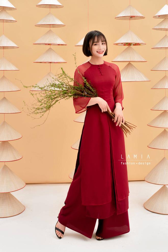 Báo Thái bất ngờ chọn hotgirl tuyển nữ Hoàng Thị Loan vào Top 10 nữ cầu thủ xinh đẹp nhất châu Á - Ảnh 3.