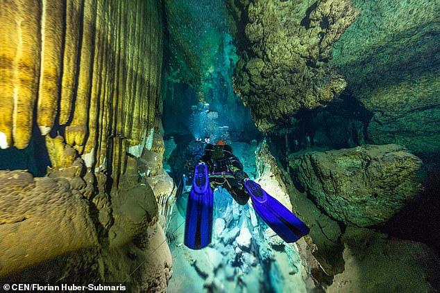 Lặn xuống hang ngầm thời cổ đại, các nhà khảo cổ phát hiện hàng loạt điều bất ngờ  - Ảnh 9.