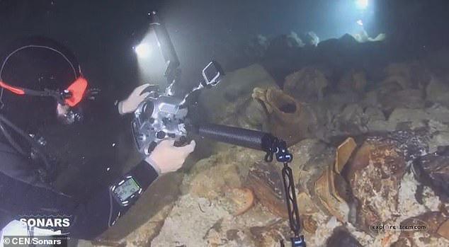 Lặn xuống hang ngầm thời cổ đại, các nhà khảo cổ phát hiện hàng loạt điều bất ngờ  - Ảnh 10.