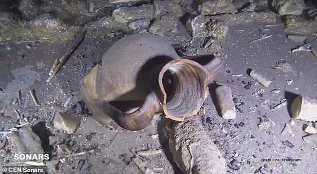Lặn xuống hang ngầm thời cổ đại, các nhà khảo cổ phát hiện hàng loạt điều bất ngờ  - Ảnh 11.