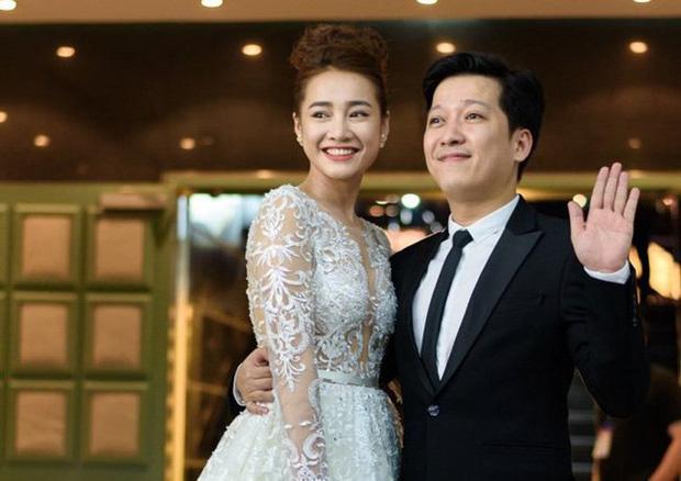 Những đám cưới bí mật rung chuyển Vbiz: Nhã Phương, Hari Won yêu cầu cực nghiêm, Tóc Tiên, Bảo Thy kín như bưng tới giờ G! - Ảnh 14.
