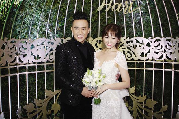 Những đám cưới bí mật rung chuyển Vbiz: Nhã Phương, Hari Won yêu cầu cực nghiêm, Tóc Tiên, Bảo Thy kín như bưng tới giờ G! - Ảnh 21.