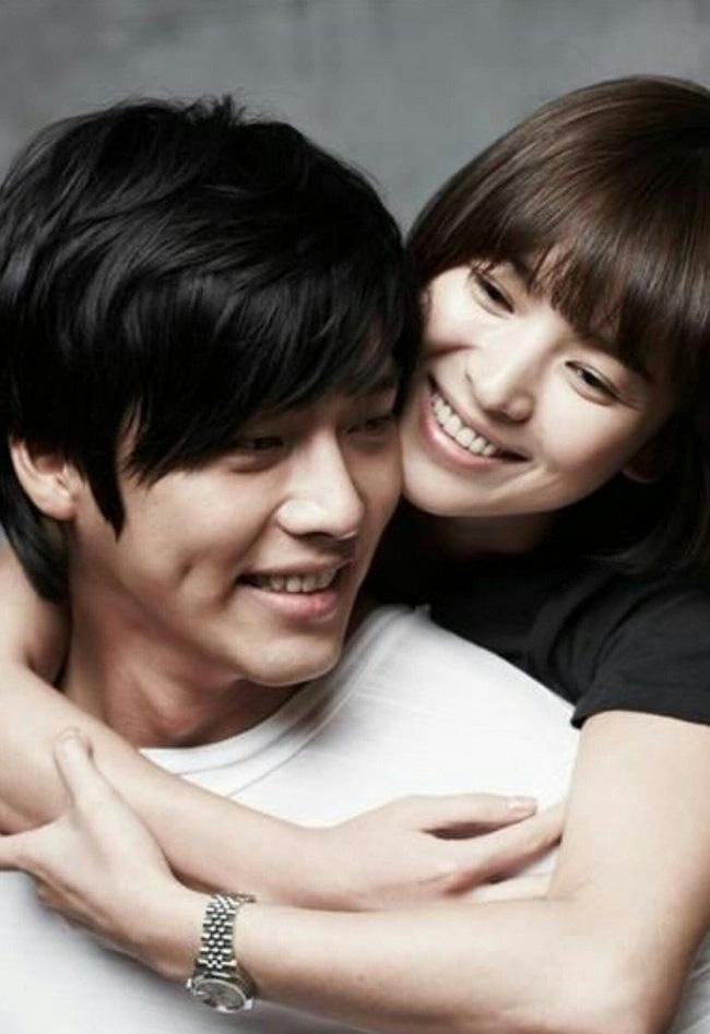 """Hai chàng Đại úy đi qua cuộc đời Song Hye Kyo: Đều giàu có và điển trai nhất nhì showbiz nhưng Hyun Bin lại """"ghi điểm"""" hơn Song Joong Ki ở điểm này? - ảnh 5"""
