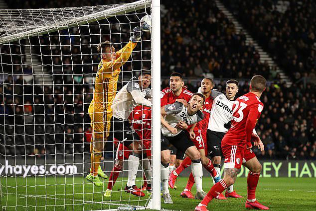 Huyền thoại Wayne Rooney lại gây sốc sân cỏ Anh - Ảnh 1.
