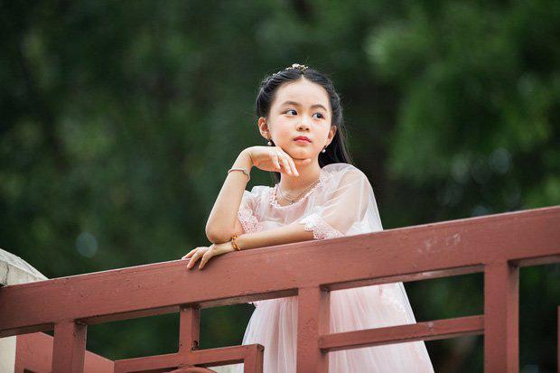 Các mỹ nhân nhí hứa hẹn là nàng thơ cho phim Việt: Toàn thiên thần xinh xắn, có cả Hoa hậu Chu Diệp Anh - Ảnh 10.