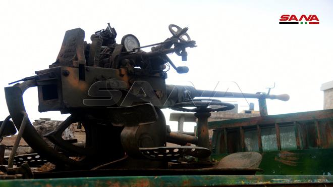 Hỏa lực mạnh QĐ Syria cấp tập tiến về Idlib, KQ Nga đánh phá ác liệt, xe tăng TNK áp sát biên giới: Chiến sự khốc liệt - Ảnh 3.