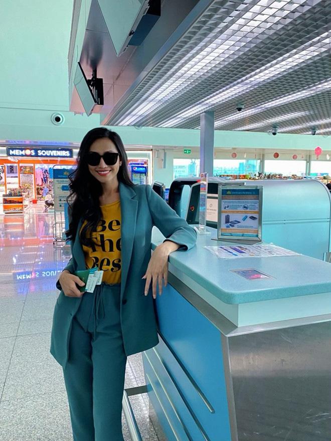 Hoa hậu chuyển giới đầu tiên của Việt Nam Hoài Sa: Mang 120kg hành lý đi Thái, sức khỏe chưa ổn định - Ảnh 1.