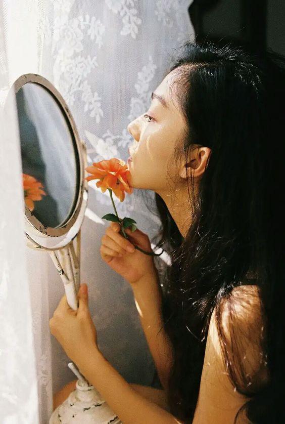Phụ nữ sinh vào tháng âm lịch này, trước khổ sau sướng, sau 35 tuổi nếu không thành mệnh phụ phu nhân thì cũng là cường nữ giàu có - Ảnh 2.