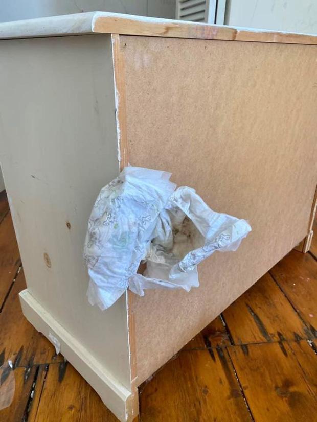 Khách trọ chuyển đi bỏ lại căn phòng ngập ngụa trong rác thải và mùi hôi thối, chủ nhà phải ngậm đắng nuốt cay chịu thiệt hại hơn 200 triệu - Ảnh 12.