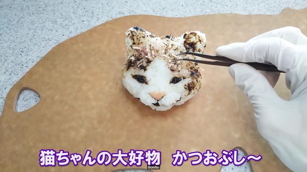 Youtuber người Nhật trổ tài trang trí cơm nắm cực nghệ, trông cưng thế này thì ai đành lòng ăn cơ chứ - Ảnh 16.