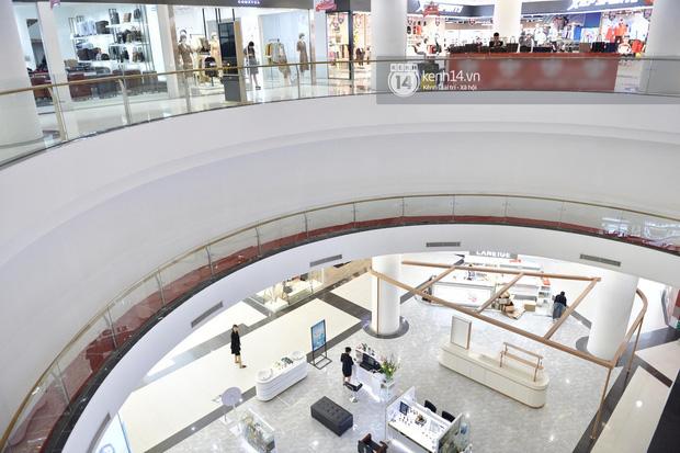 HOT: Cửa hàng UNIQLO đầu tiên tại Hà Nội chính thức khai trương vào 6/3, các tín đồ shopping chuẩn bị thóc đi là vừa - Ảnh 4.