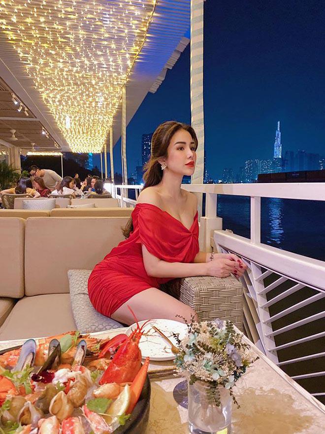 Diệp Lâm Anh khoe vóc dáng gợi cảm với bikini sau hơn 3 tháng sinh con cho chồng thiếu gia - Ảnh 5.