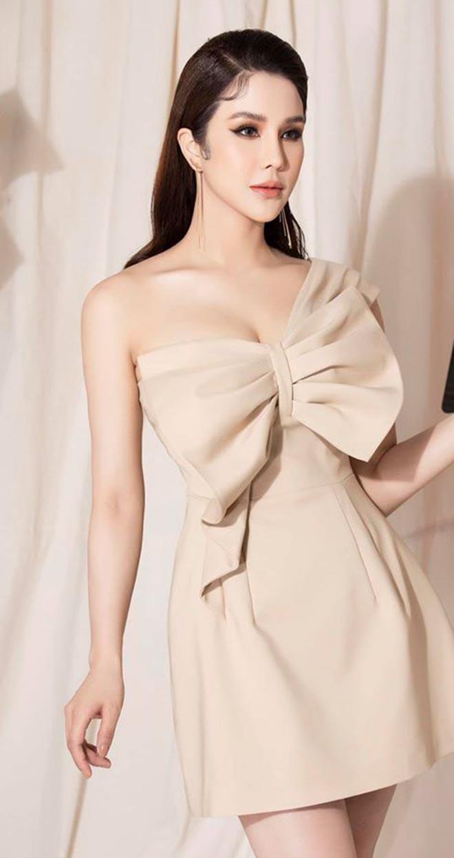 Diệp Lâm Anh khoe vóc dáng gợi cảm với bikini sau hơn 3 tháng sinh con cho chồng thiếu gia - Ảnh 10.